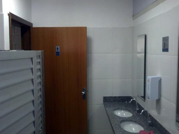 EMFA-banheiro-masculino-1-piso
